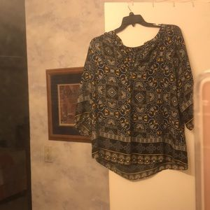 Blue and yellow Valerie Stevens blouse 3/4 sleeve.